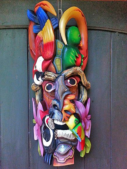 La Cacatúa Lodge – Borucas-Maske