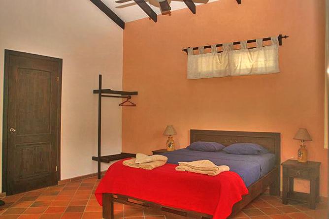 La Cacatúa Lodge – Studio: Queen Bett
