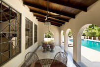 Villa-San-Ignacio-Restaurant-Terrasse-beim-Swimmingpool