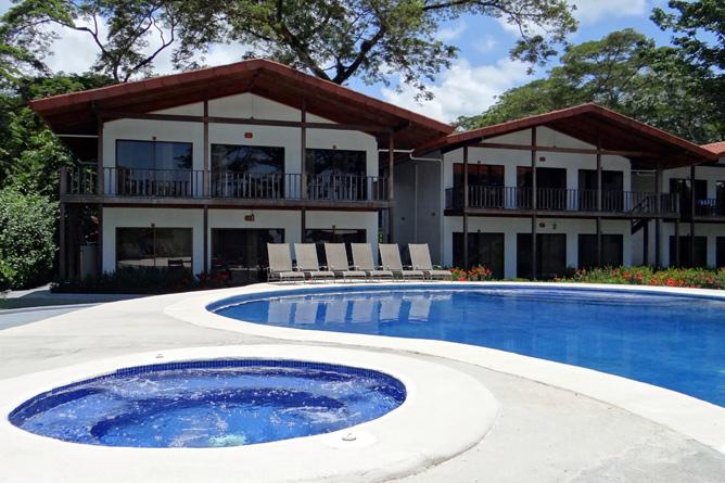 Agua Dulce Resort – Poolside-Villa