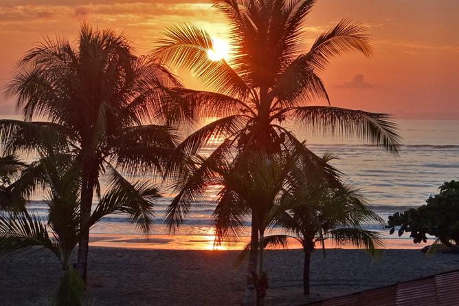 Agua Dulce Resort – Sonnenuntergang, Blick von der Bar