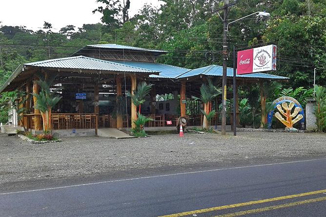 Casa Marcellino – Restaurant Coral Reef an der Hauptstraße
