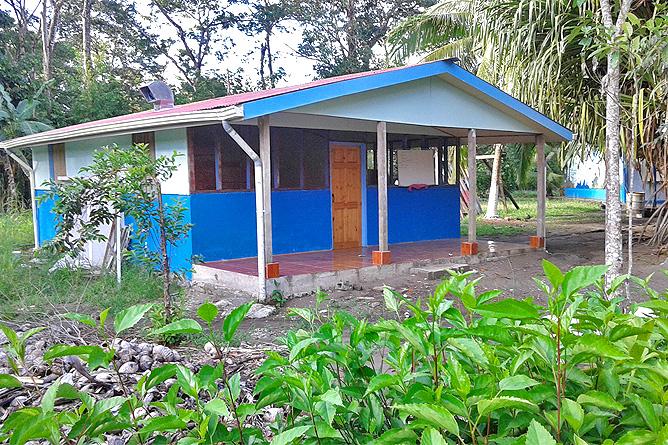 Lirio Lodge Dorfschule