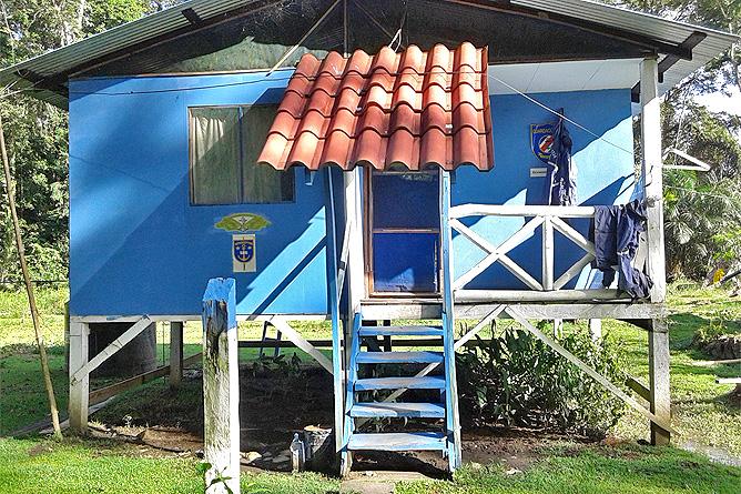 Lirio Lodge Dorfpolizei