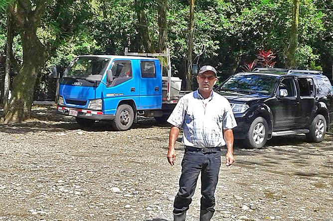 Lirio Lodge Anreise Parkplatz auf dem Grundstück von Claudio