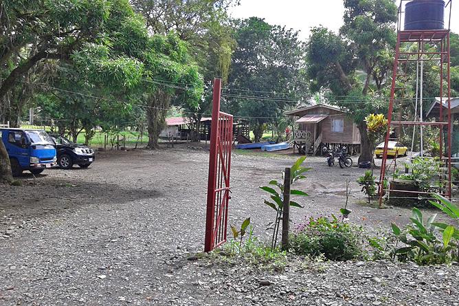 Lirio Lodge Parkplatz am Bootsanleesteg in Goshen