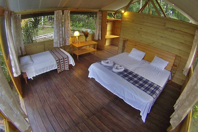 Lirio Lodge Queen Bett Bungalow