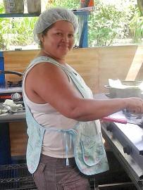 lirio_lodge_restaurant_cocinera_maria