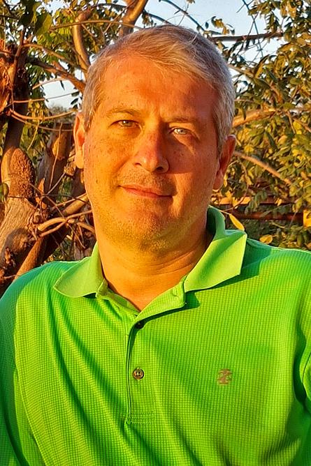 Alejandro Riggioni Araujo – Adobe Rent-a-Car Costa-Rica