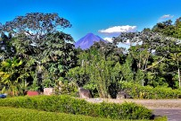 Nephente_Sicht-auf-Vulkan-Arenal