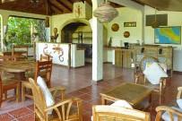 Star-Mountain-Lodge_Empfangsbereich-und-Restaurant-(1)