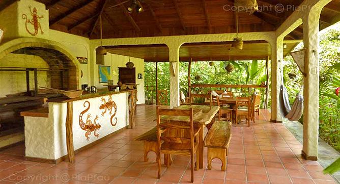 Star Mountain Lodge – Empfangsbereich und Restaurant