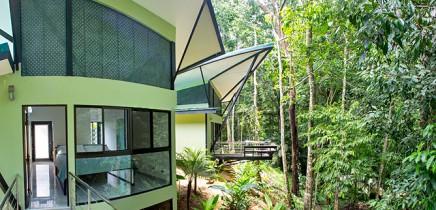 Yaba-Chigui-Lodge_Deck-_-Bungalo
