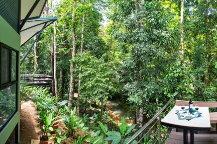 Yaba-Chigui-Lodge_Deck-_-Bungalow--(2)