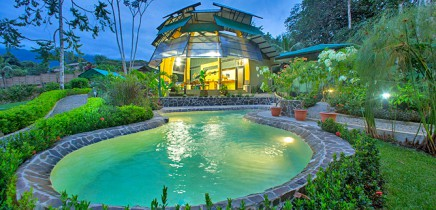 Yaba-Chigui-Lodge_Pool-(1)