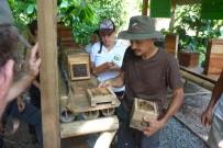 Macaw Lodge_Honiggewinnung Meliponia Bienen (2)
