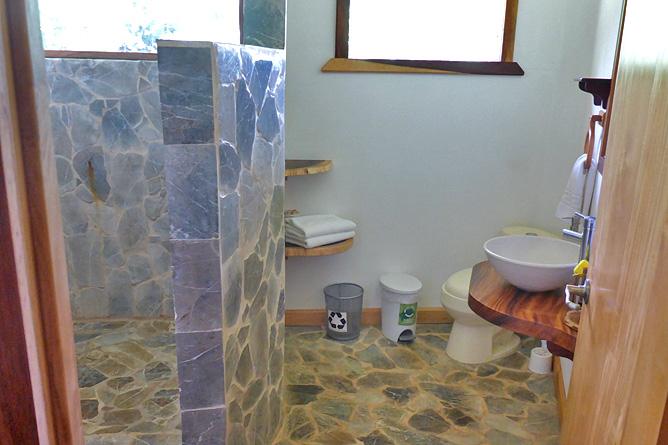 Macaw Lodge – Standard-Zimmer, Bad
