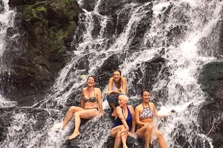 Macaw-Lodge_Wasserfall