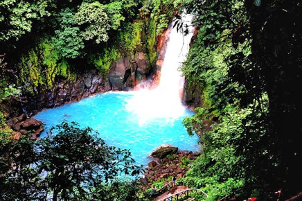 Catarata-Rio-Celeste_-Activ_Rio-Celeste-Wasserfall
