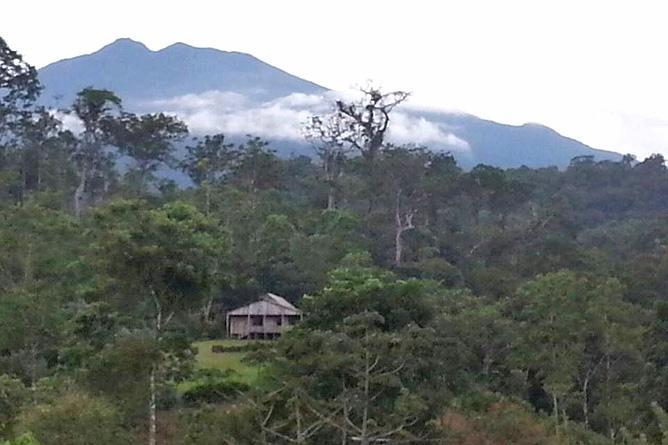 Catarata Río Celeste – Umgebung, Blick auf Vulkan Tenorio
