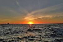 Isla-Violin_Sonnenuntergang-über-dem-Meer