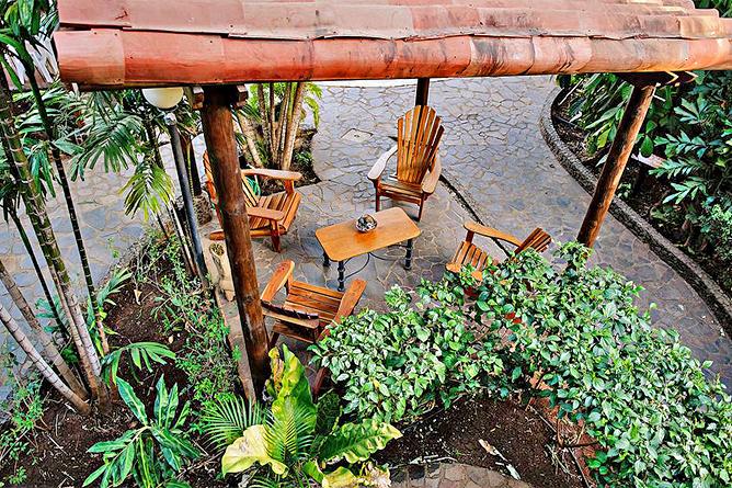 Luna Llena Sitzgelegenheiten im Garten
