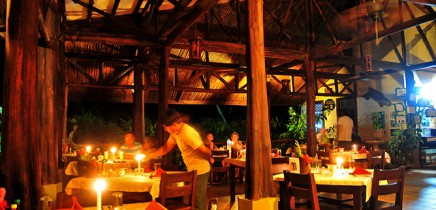 Maquenque-Lodge_Restaurant_Abendessen
