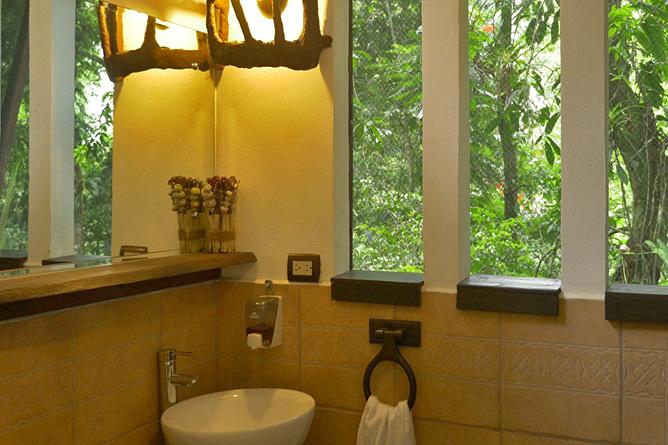 Maqueque Lodge – Tree House, Badezimmer mit Ausblick
