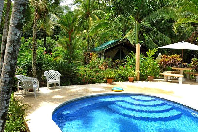Rafiki Beach Camp – Poolbereich