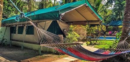 Rafiki-Beach-Camp-_Zelt-mit-Terrasse