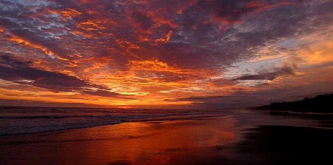 Rafiki-Beach-Camp_Playa-Matapalo_Sonnenuntergang