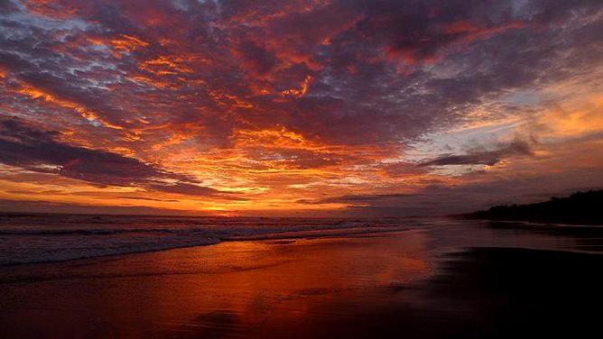 Rafiki Beach Camp – Playa Matapalo, Sonnenuntergang