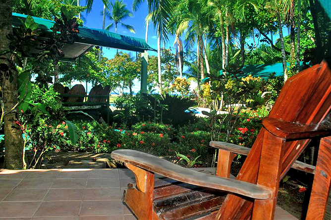 Rafiki Beach Camp – Private Terrasse