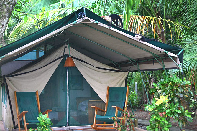 Rafiki Beach Camp – Zelteingang