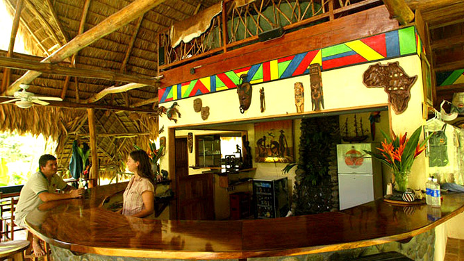 Rafiki Safari Lodge – Lodge Bar