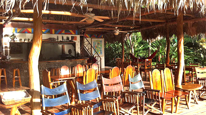 Rafiki Safari Lodge – Haupthaus, Terrasse