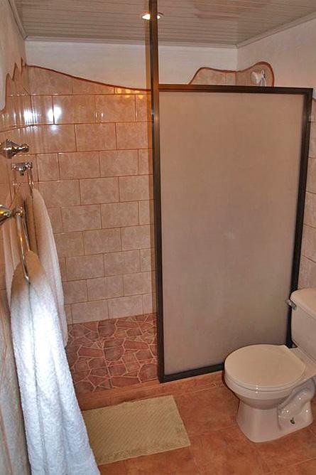 El-Pelicano Junior-Zimmer Badezimmer