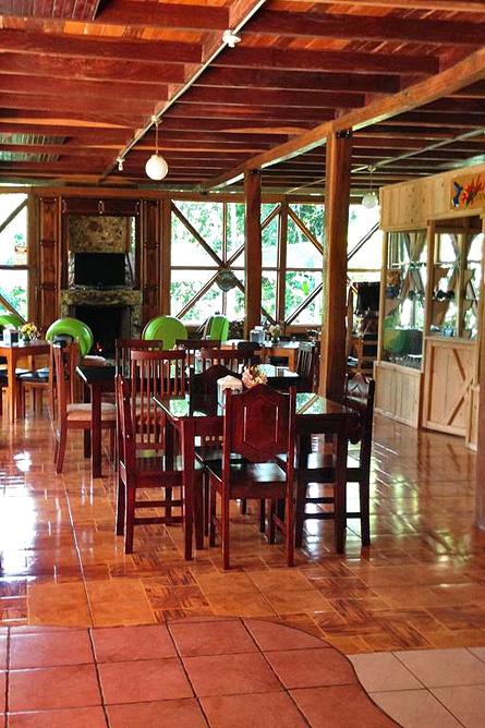 El Pelicano Restaurant und Souvenirladen