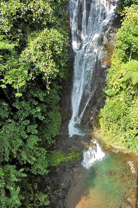 Los Campesinos Eco Lodge – Wasserfall, Sicht von Hängebrücke