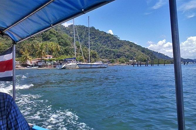 Nicuesa Bootsfahrt Abfahrt von Hafen Golfito