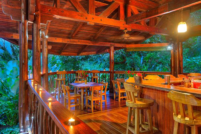 Nicuesa Restaurant-Bar