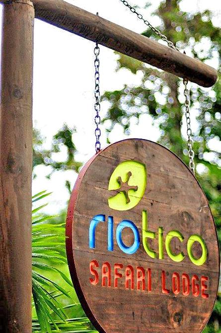 Rio Tico Lodge Eingang Schild