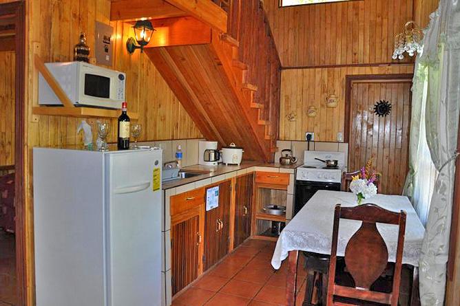 Sueños del Bosque – Cabinas mit Küche, Küchenecke