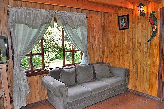 Sueños del Bosque – Cabinas mit Küche, Sofa