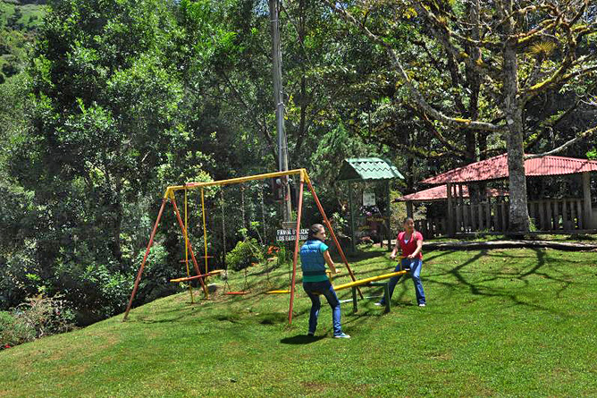 Sueños del Bosque – Kinderspielplatz
