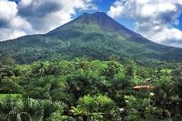 Arenal-Oasis_Blick-auf-den-Vulkan-Arenal