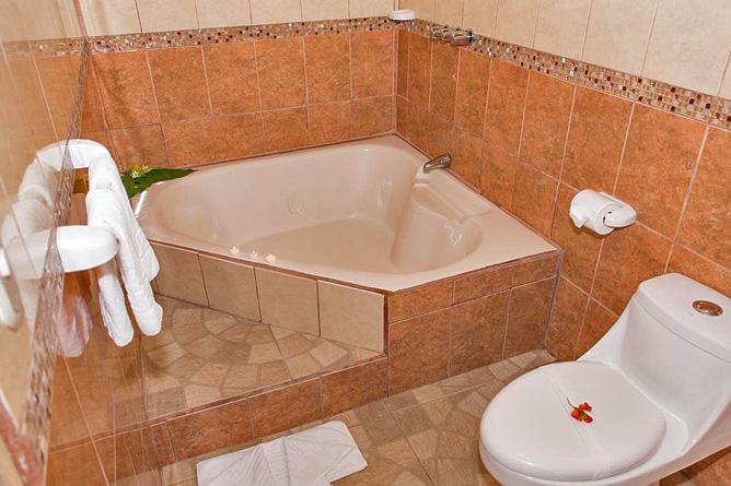 Arenal Oasis Villa Badewanne