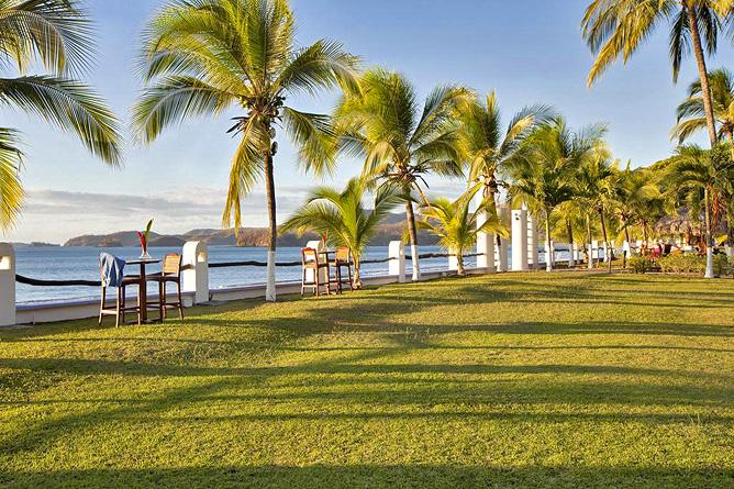 Bahia del Sol Palapa Lounge