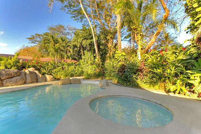 Bahia del Sol Pool und Jacuzzi
