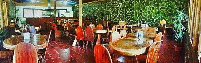El Bosque Frühstücksraum mit Bar